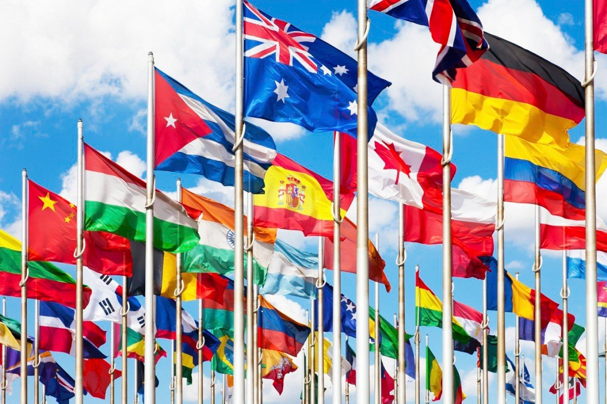 国連の平和支援に一番人を送っているトップ3カ国は?