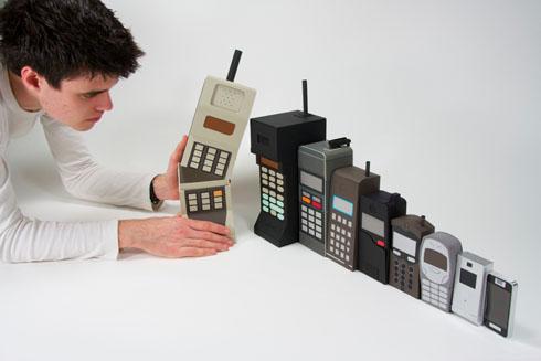 なぜ日本人は世界一高い携帯電話料金を払ってきたのか? ー地方衰退と世界一高い携帯電話料金がつながっているわけ